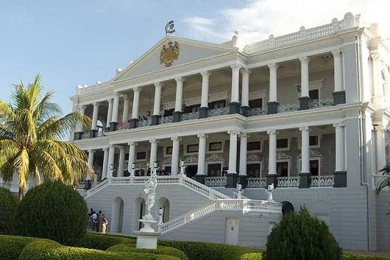 Falaknuma-palace-hotel